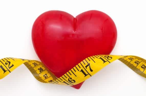 Corazón y cinta métrica