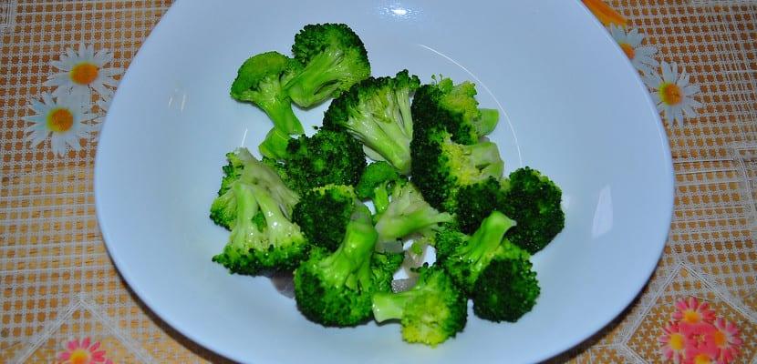 Plato de brócoli