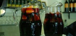 Dos jarras de sangría