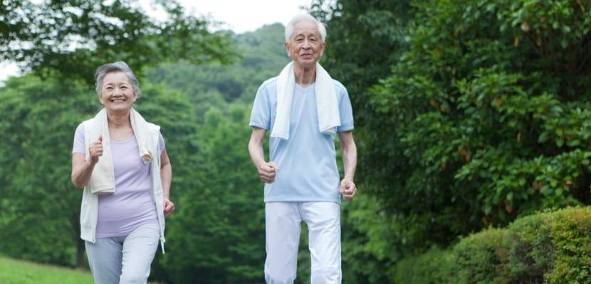 pareja-mayor-ejercicio