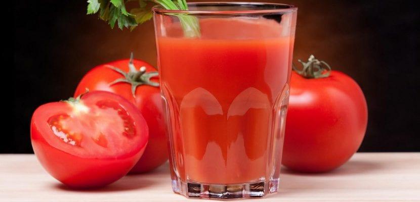 zumo-de-tomate