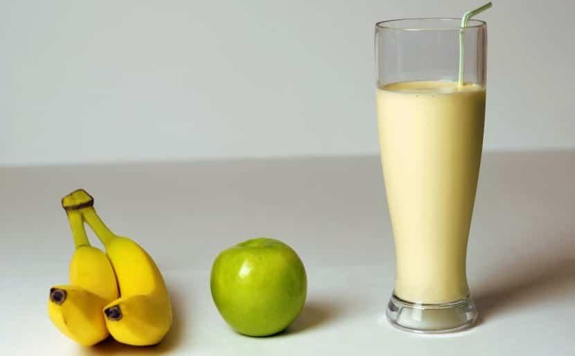 Ingredientes del batido de plátano y leche