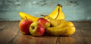 manzana, platano y pera