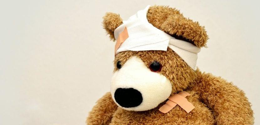 oso  de peluche vendado