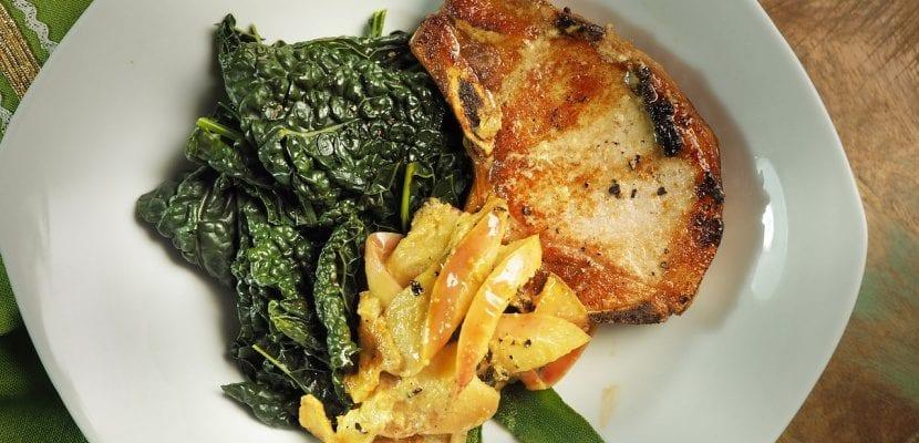 plato de lomo de cerdo con kale