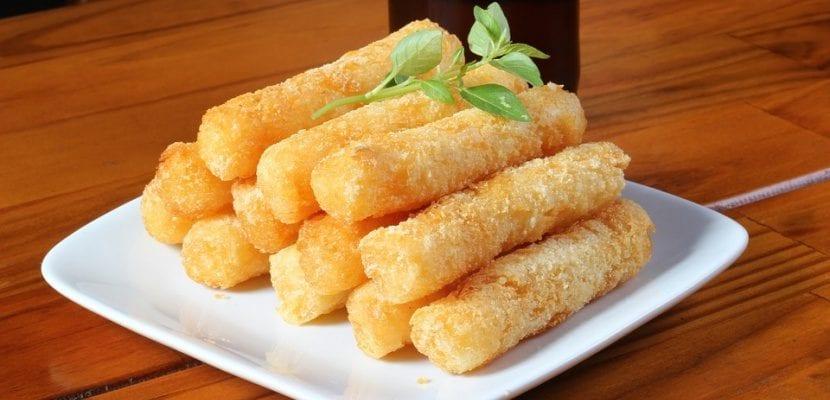 rollitos fritos de yuca