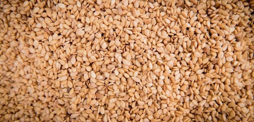 semillas de sésamo tostado